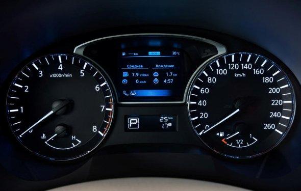 панель приборов Nissan Teana