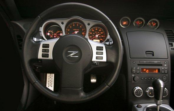Фото интерьера Nissan 350Z
